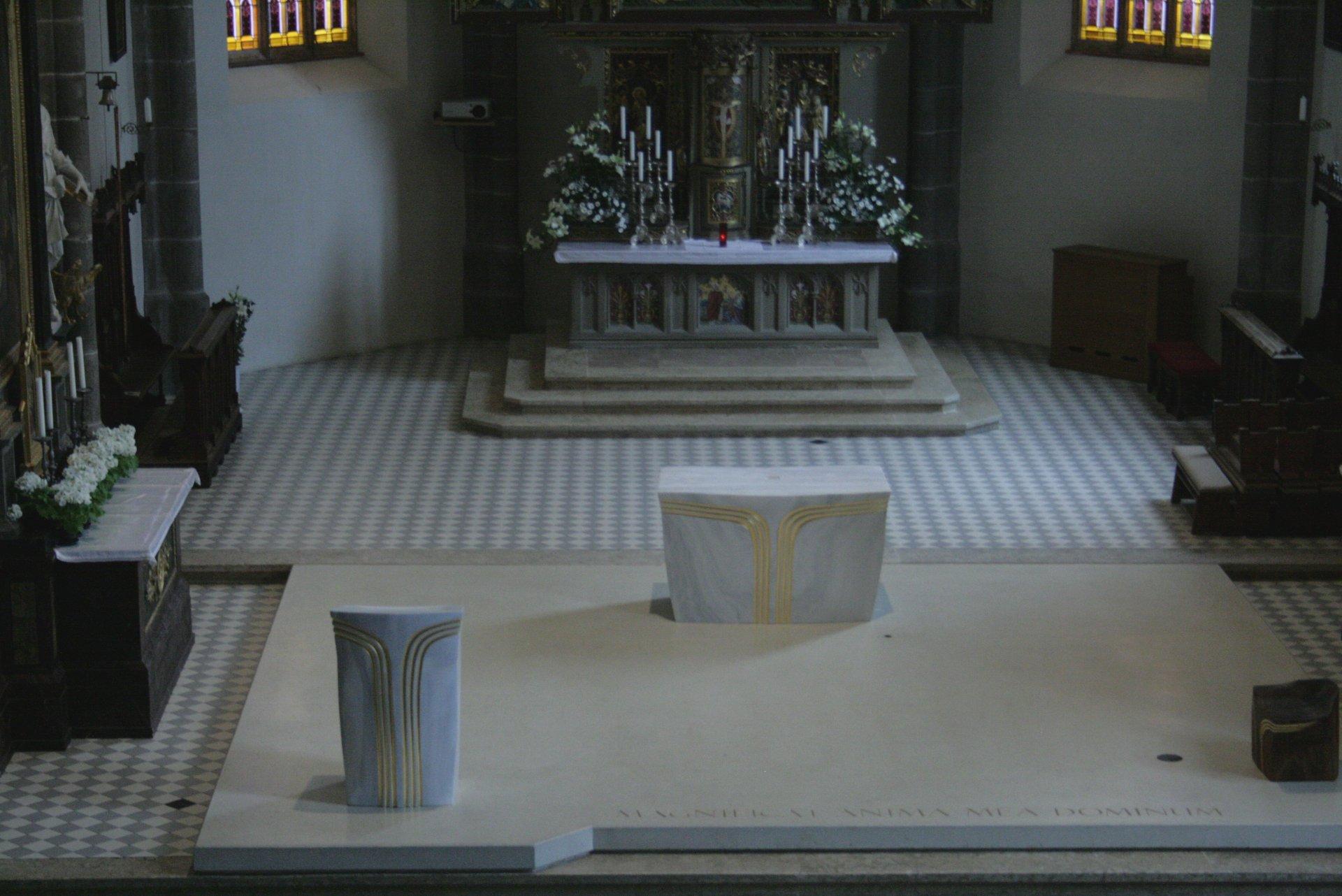 Gasser Markus - Altar und Ambo 1